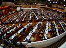 Nova Constituição cubana deve permitir casamento gay e reconhecer diferentes formas de propriedade