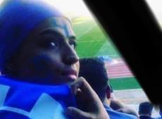 Morre iraniana que ateou fogo ao corpo contra proibição de mulheres em estádios