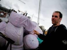 Voluntários europeus preparam missão para tentar salvar refugiados no mar Mediterrâneo