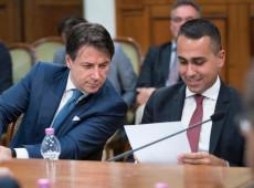 Em votação online, filiados do Movimento 5 Estrelas aprovam coalizão com Partido Democrático na Itália