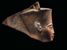 Egito pede à Interpol que ajude a localizar busto de Tutancâmon leiloado em Londres