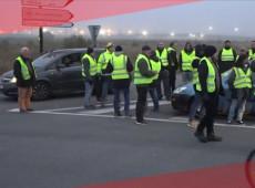 Após novos conflitos, governo francês convida 'coletes amarelos' e partidos ao diálogo