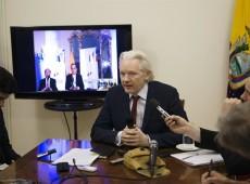 Fundador do WikiLeaks, Assange completa dois anos na embaixada do Equador em Londres