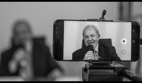 Lula concede entrevista à Rede TVT