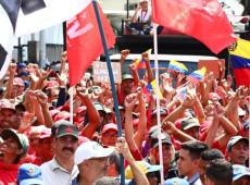Chavistas e oposição voltam a se manifestar nas ruas de Caracas