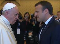 Macron discute com papa no Vaticano crise migratória na Europa