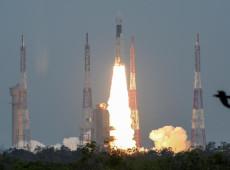 Índia lança com sucesso missão ao polo sul da Lua