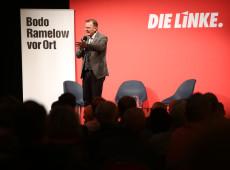 Populistas de direita superam partido de Merkel em eleição estadual