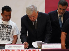 Em primeiro decreto presidencial, López Obrador cria comissão para investigar desaparecimentos em Ayotzinapa