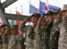 Gastos militares (e não sociais) exorbitantes são a maior contradição do endividamento da Grécia