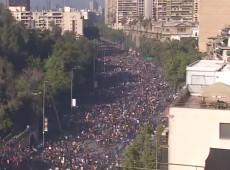 Chile: milhares de pessoas vão às ruas de Santiago contra Piñera