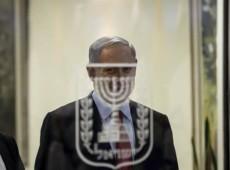 Netanyahu demite ministros moderados e abre caminho para antecipar eleições em Israel