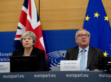 May consegue novas garantias da UE para o Brexit