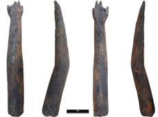 Braço de madeira de 2.000 anos é encontrado em poço romano no Reino Unido