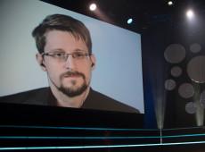 Snowden: 'Estamos nus diante do poder'