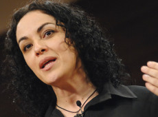 'Bolsonaro será tirado do poder quando não for mais útil ao projeto neoliberal', diz Marcia Tiburi