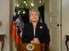 Bachelet anuncia início de consultas populares para formular nova Constituição no Chile
