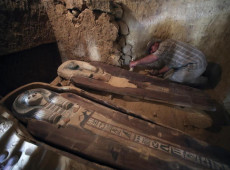 Três novas tumbas com mais de 4 mil anos são descobertas no Egito