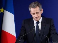 Derrota precipita fim da vida política de Sarkozy