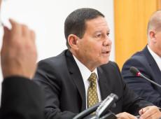 Bolsonaro decide enviar Mourão à posse de Fernández na Argentina