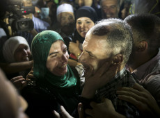 Israel liberta 26 palestinos presos, mas se estima que ainda mantenha 5 mil detidos
