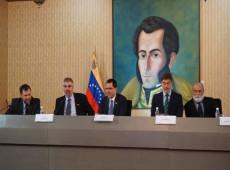 """Venezuela aposta em mediação internacional """"imparcial"""" para superar crise política"""