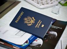 Bolsonaro dispensa cidadãos de EUA, Austrália, Canadá e Japão de vistos para visitar Brasil