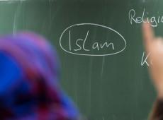Áustria proíbe véu islâmico em escolas