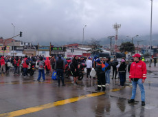 Greve geral na Colômbia: Manifestantes são reprimidos pela polícia em Bogotá
