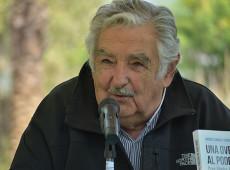 Mujica recebe prêmio de poesia em evento na Espanha