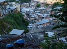 'Caveirão voador' é usado como plataforma de tiro, dizem moradores do Rio