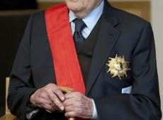 Mais velho diretor de cinema em atividade do mundo, Manoel de Oliveira chega aos 106 anos