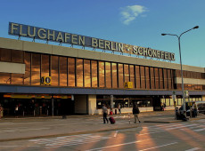 Avião do governo alemão faz pouso de emergência em Berlim