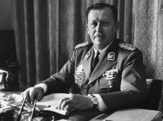 Quem foi Alfredo Stroessner, o ditador paraguaio elogiado por Bolsonaro?