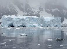 Gelo na Antártida está derretendo a velocidades recordes