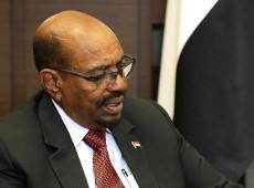 Ex-presidente sudanês Omar al Bashir é condenado a dois anos de prisão