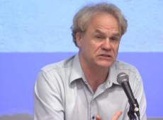 Acadêmico norte-americano cria movimento pela democracia no Brasil
