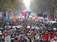 Greve geral: 180 mil pessoas tomam ruas da França, e governo estuda recuos na reforma da previdência