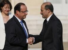 Hollande afirma que França está disposta a intervir na Síria mesmo sem presença britânica