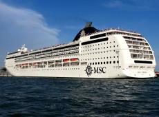Colisão entre cruzeiro e barco turístico em Veneza deixa feridos