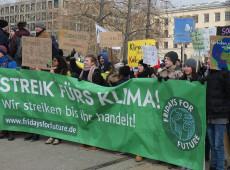 Estudantes de diversas cidades do mundo vão às ruas pela preservação ambiental