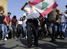 Líbano aprova pacote de reformas em meio a protestos