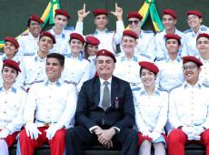 Bolsonaro diz que estuda convocar para consultas embaixador do Brasil na França