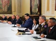 Maduro ordena realização de exercícios militares na fronteira da Venezuela com a Colômbia