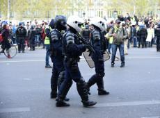 Em novo protesto violento, coletes amarelos dão 'ultimato' a Macron