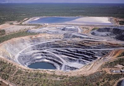 Flexibilizar a proteção constitucional ao meio ambiente e restringir direitos territoriais não constituem propriamente agendas novas para os setores ligados à mineração e ao agronegócio.