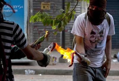 venezuelaensemanasantacontinuovandalismo1